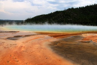 Grand Prismatic Spring - Midway Geyser Bassin